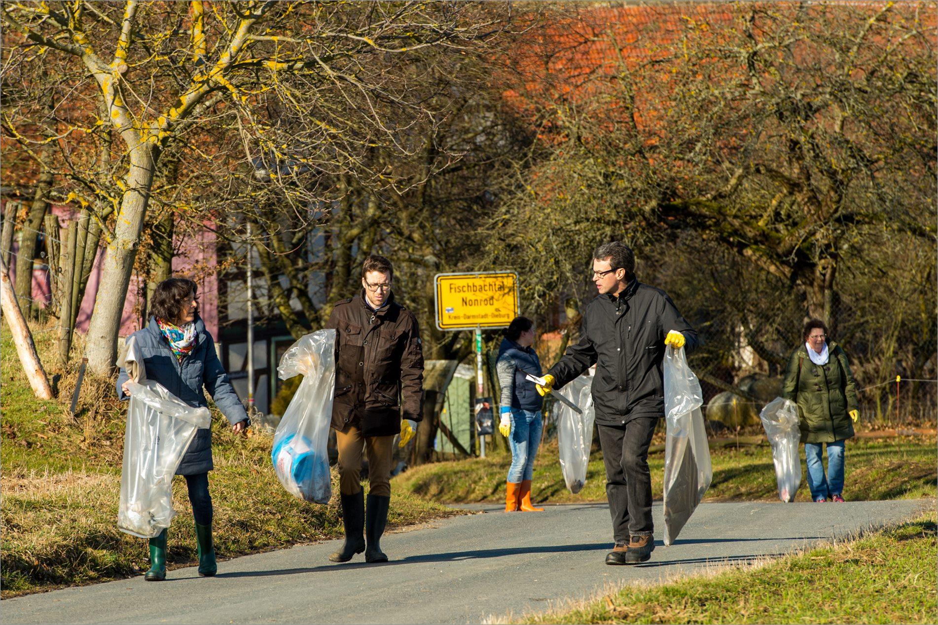 Aktion saubere Landschaft in Fischbachtal 2017 - Foto Bernd Dörwald
