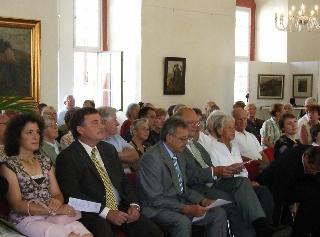 Gäste der Eröffnung der Lippmannausstellung im Kaisersaal im Schloss Lichtenberg